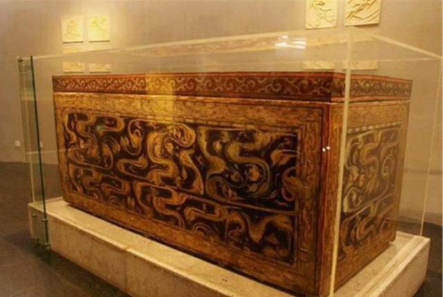 湖北出土千年古墓,墓中棺材重達7噸,專家:這是上等國寶 - 每日頭條