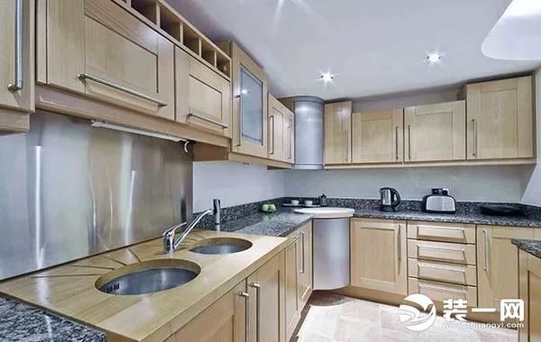 kitchen on a budget remodels with white cabinets 厨房改造多少钱一平 厨房改造预算详情解析分享 每日头条 厨房改造预算详情