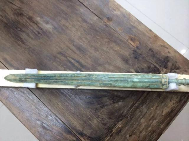 古代中西方冷兵器「劍」:雖外表不同,但象徵的意義卻完全一致 - 每日頭條