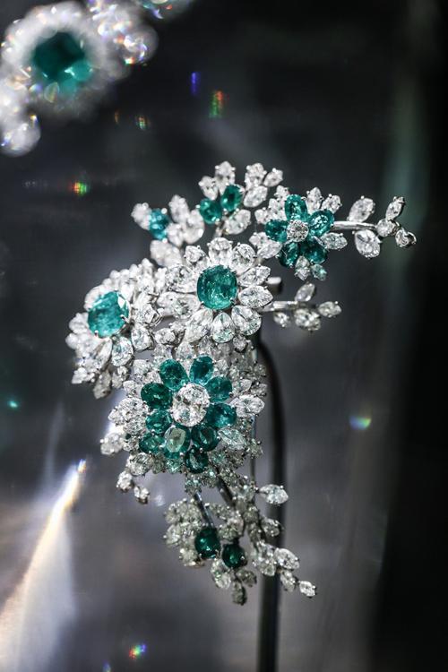 《伊莉莎白泰勒與寶格麗》珍藏珠寶藝術展閃耀京城 - 每日頭條