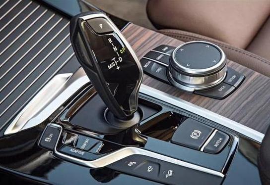 你真的會開車嗎?快來看自動擋的正確使用與操作技巧 - 每日頭條
