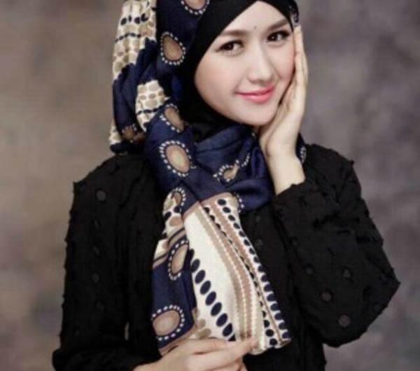 機上扯下穆斯林女子頭巾 美國男子面臨監禁1年(圖) - 每日頭條