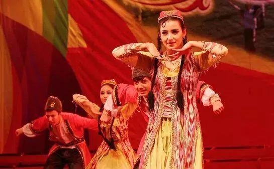 新疆人到底怎麼過年?過年吃什麼美食。和我們有什麼不一樣! - 每日頭條