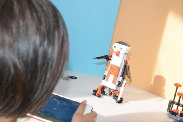 有隻企鵝要上天!米兔智能積木,陪孩子玩寒假 - 每日頭條
