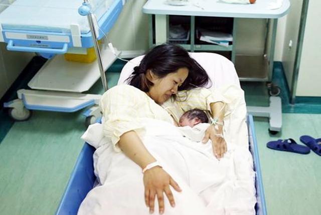 有種高齡產婦叫蔣勤勤,43歲仍然高齡拼二胎,產後比丈夫老十歲 - 每日頭條