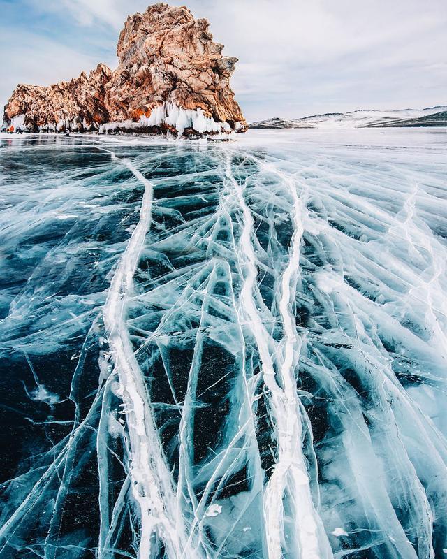 據說,這是世界上最深最老最清澈的湖…… - 每日頭條