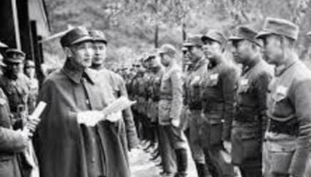 蔣介石讓他當黃埔軍校校長,他卻扔下全校師生,一個人逃到了臺灣 - 每日頭條