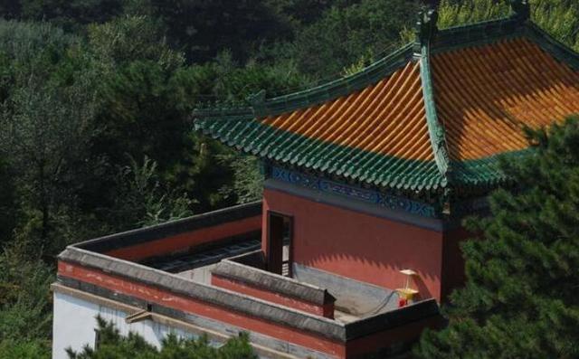 中國最著名的10大旅遊景點,保和殿,紫禁城,人群最多會是在有三大殿之稱的太和殿,頤和園,國家5a級旅遊景點,各式店鋪應有盡有,皇家宮殿,商品推薦,皇家宮殿,北京外賓旅遊,人群最多會是在有三大殿之稱的太和殿,海外華人華僑北京旅遊 - 旅遊北京網
