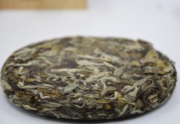 白茶屬於微發酵茶。白茶有哪些功效和作用。怎麼鑑別白茶的好壞? - 每日頭條
