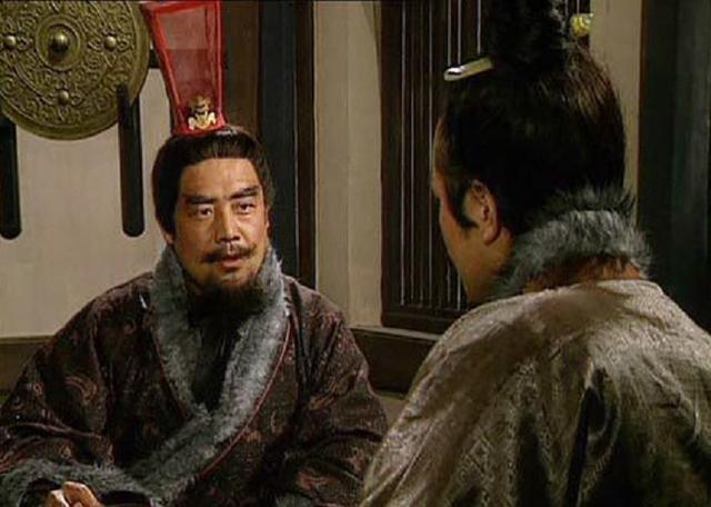 三國最無恥的小人,害死一員名將,坑哭一位軍師,出賣三個君主! - 每日頭條