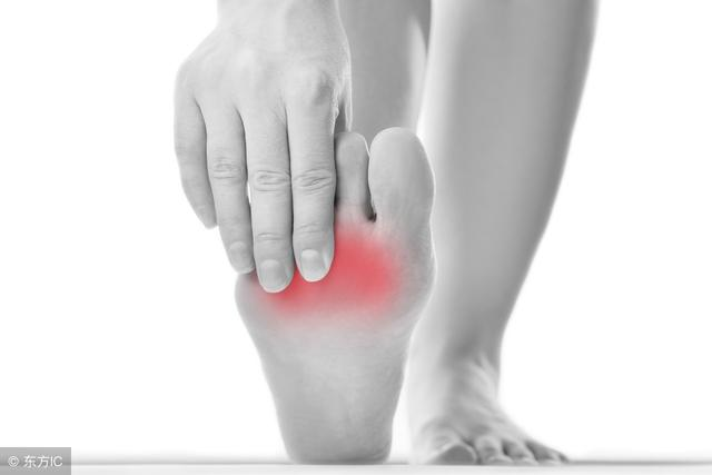 腳扭傷如何治療 腳扭傷快速康複方法 - 每日頭條