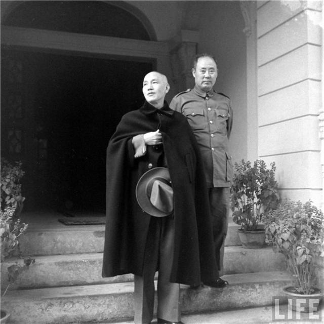 1947年末蔣介石一紙任命,讓哪兩位封疆大吏心生不滿 - 每日頭條