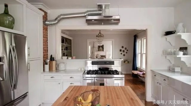 kitchens for less commercial kitchen sink 开放式厨房好不好 每日头条 开放式厨房少了墙壁的隔阂 厨房和客厅的空间融合在一起 看起来会增加开阔感 设计上也可以更加美观 对小户型来说可以起到拓宽视觉空间的效果