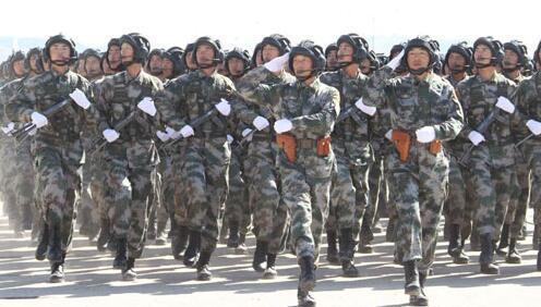 這國閱兵放中國軍歌,學解放軍列隊,連下口令都用中文 - 每日頭條