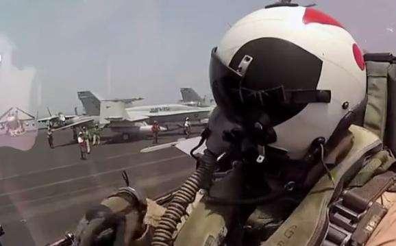 艦載機的起降對飛行員有什麼挑戰? - 每日頭條