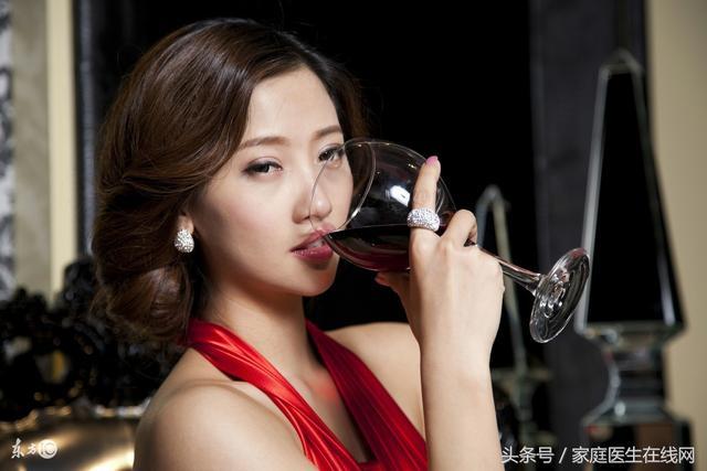 每天堅持喝杯紅酒的女人。不出一年就會看到驚喜變化 - 每日頭條