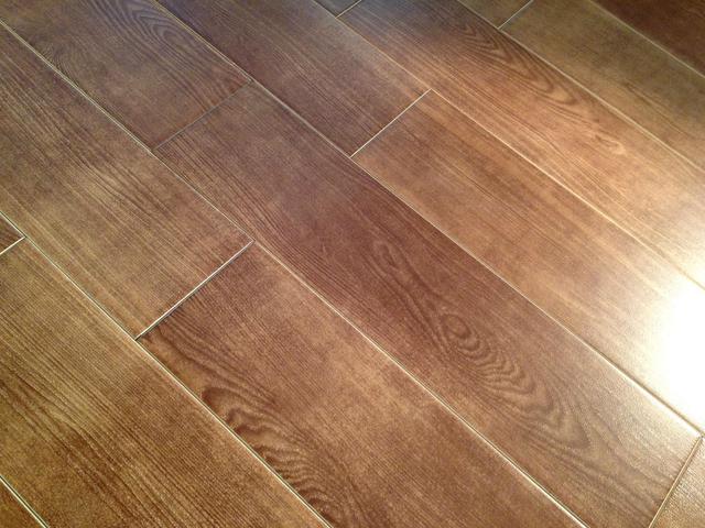 仿木紋瓷磚好嗎 仿木紋地板磚「緣於木卻勝於木」 - 每日頭條