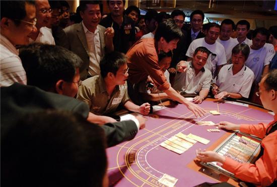 內地賭客在澳門賭城的瘋狂 - 每日頭條