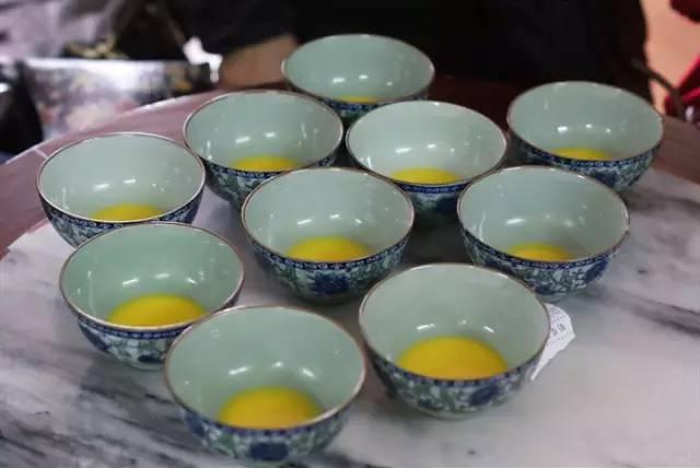 這麼冷。帶你吃遍廣州姜撞奶。暖暖身子可好? - 每日頭條