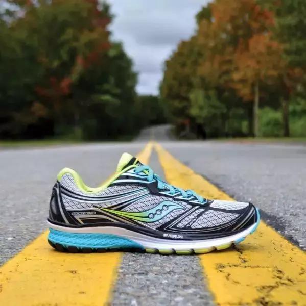 這些品牌的跑鞋,哪款適合你? - 每日頭條