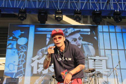 中國有嘻哈冠軍是誰 徐真真hiphopman個人資料介紹決賽選手名單 - 每日頭條