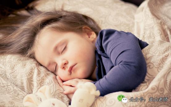 寶寶早睡更聰明。大腦發育更棒。身體更好是真的麼? - 每日頭條