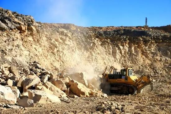 露天煤礦開採煤炭後。是如何變身良田的 - 每日頭條