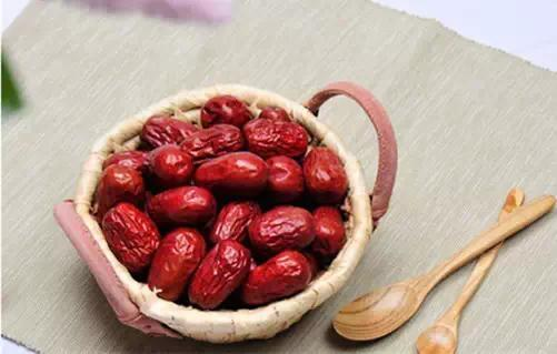 「一日吃三棗。一輩子不顯老」冬季滋補。正是吃棗的好時節 - 每日頭條