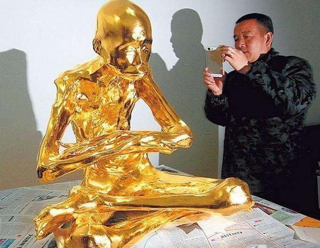 揭秘佛家神奇坐缸:94歲老和尚圓寂後,肉身不腐,塑成肉身菩薩! - 每日頭條
