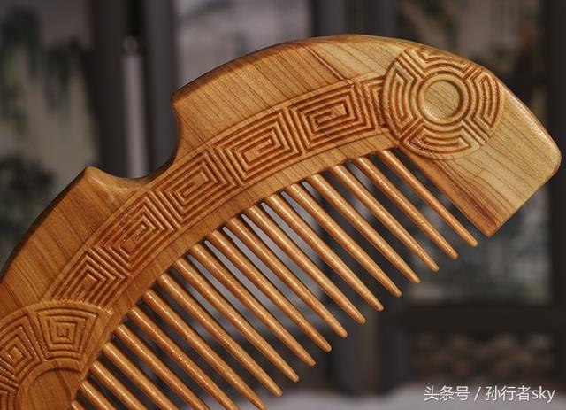 侃侃而談:選擇什麼樣木質的木梳最好?都會有哪些好處和功效 - 每日頭條