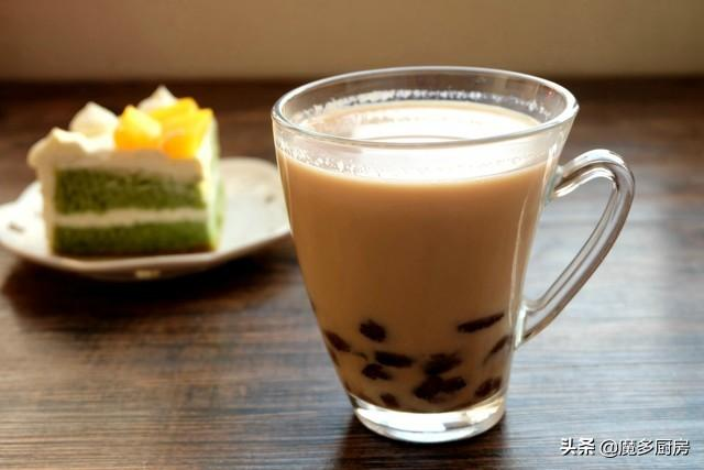 自製珍珠奶茶。原料簡單成本低。好做又好喝。再也不用排隊買了 - 每日頭條
