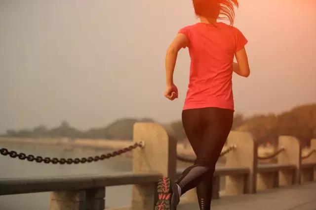 「慢跑」才是最有效的減肥方法,讓減脂效果加倍! - 每日頭條