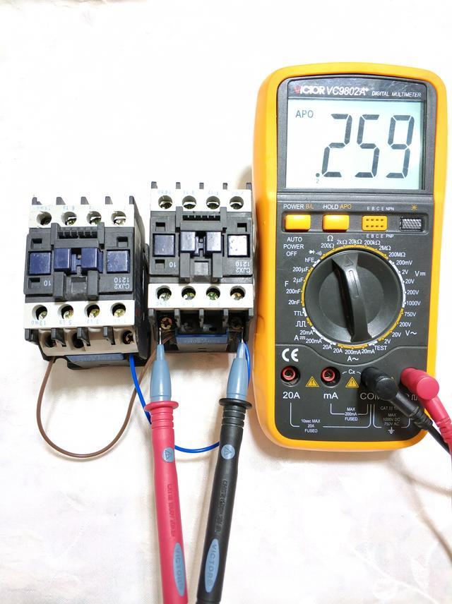 電容和電阻:串聯和並聯怎麼計算?學校沒學到手的知識現在教會你 - 每日頭條