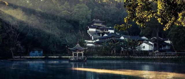 去雲南拋開大理麗江。體驗邊陲小城騰衝的溫泉、古鎮 - 每日頭條