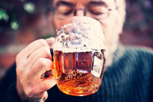 喝酒頭疼?酒前嚼三粒,不但輕鬆提升酒量,還不宿醉 - 每日頭條