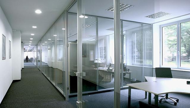 2017我們辦公空間與我們在一起 玻璃隔斷、百葉隔斷、高隔間 - 每日頭條