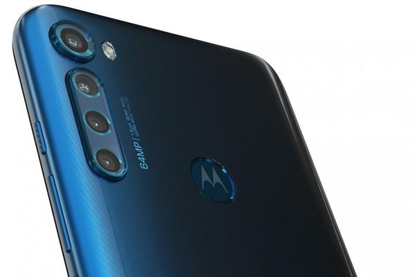 4G手機2400元?摩托羅拉One Fusion+發布。驍龍730+6400萬四攝 - 每日頭條