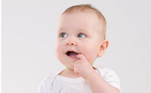 寶寶吃手指頭原因及正確處理方法 - 每日頭條