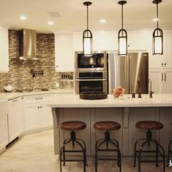Best Kitchen Lighting When Are Appliances On Sale 厨房灯具怎么选购 广州装修提醒你看了再买少走弯路 每日头条 厨房灯主要以功能性为主 厨房照明要明亮 也可以根据家中的装修风格搭配具有格调的吊灯 注意材料最好选用不易氧化和易生锈的 或者灯具表面应有保护层 那么 厨房