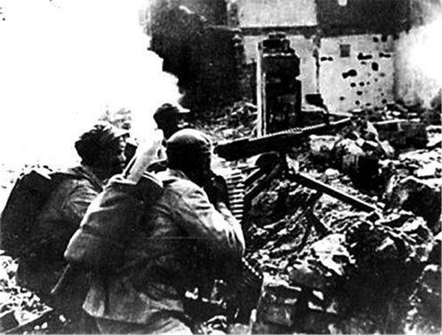 國民黨一流戰將。抗戰期間立功無數。卻因蔣介石一個字被處決 - 每日頭條