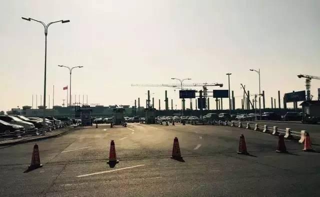 哈爾濱機場擴建,少了450個停車位!接送人咋停車?附乘機指南 - 每日頭條