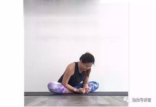 瑜伽盤蓮花這樣熱身不受傷(收藏序列) - 每日頭條
