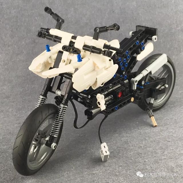 CaDA C51023 積木警用摩托車 - 每日頭條
