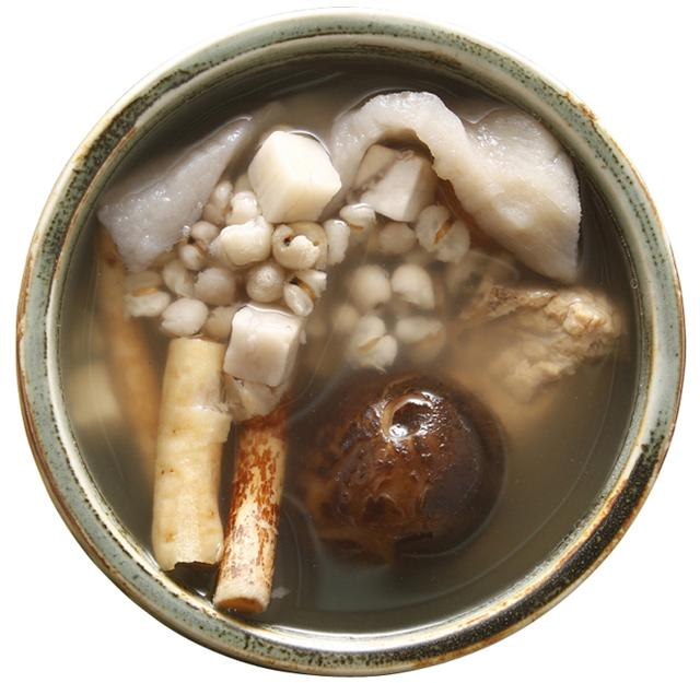 廣東經典老火靚湯-淮山雲苓薏米湯的製作方法 - 每日頭條