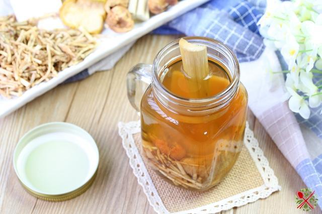 秋冬上火喝茅根竹蔗水。自己在家煮廣式涼茶 - 每日頭條
