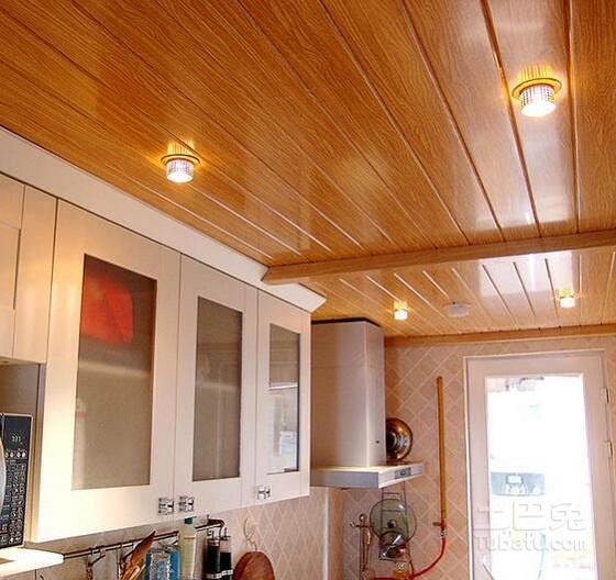 kitchen ceilings outdoor kitchens tampa fl 厨房装修材料很讲究 千万别等错过再后悔 每日头条 天花板材料主要以防潮 防火 防水为主 比较流行的材料有铝扣板 防水石膏板 铝塑扣板等 铝扣板是厨房天花板装修中使用最多的产品 但铝扣板材料价格也比较贵