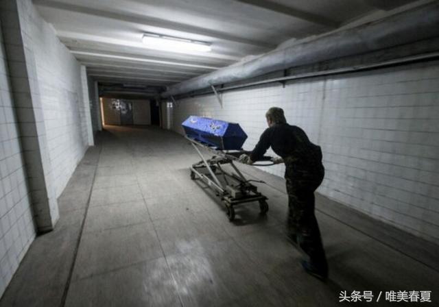 直擊國外火化屍體的罕見現場照 - 每日頭條