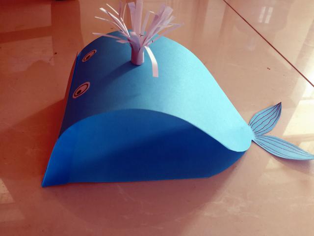用彩紙做一隻可愛的小海豚吧,真是萌翻了 - 每日頭條