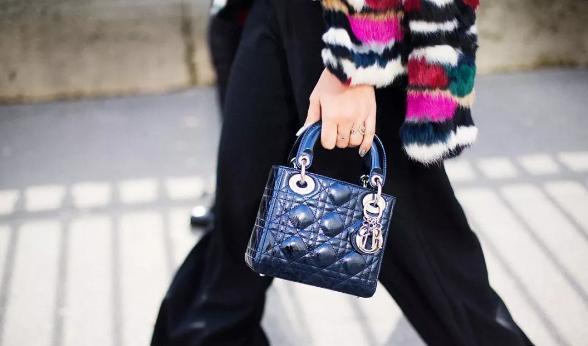 超級經典款包包Lady Dior,你真的了解嗎?現在哪款最值得入手? - 每日頭條