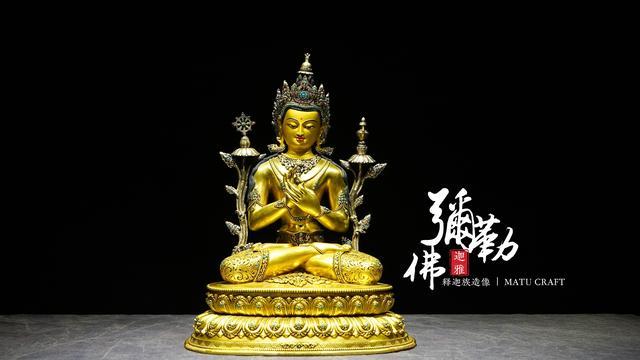 尼泊爾鎏金彌勒佛——雋永的肅穆和震撼之美 - 每日頭條